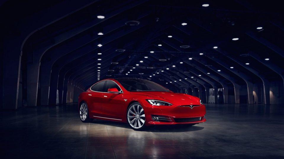 Tesla Recalls 1.23 Lakh Units Of Model S