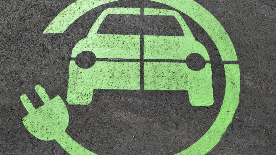 EESL Bins Second Tender For 10,000 E-Cars
