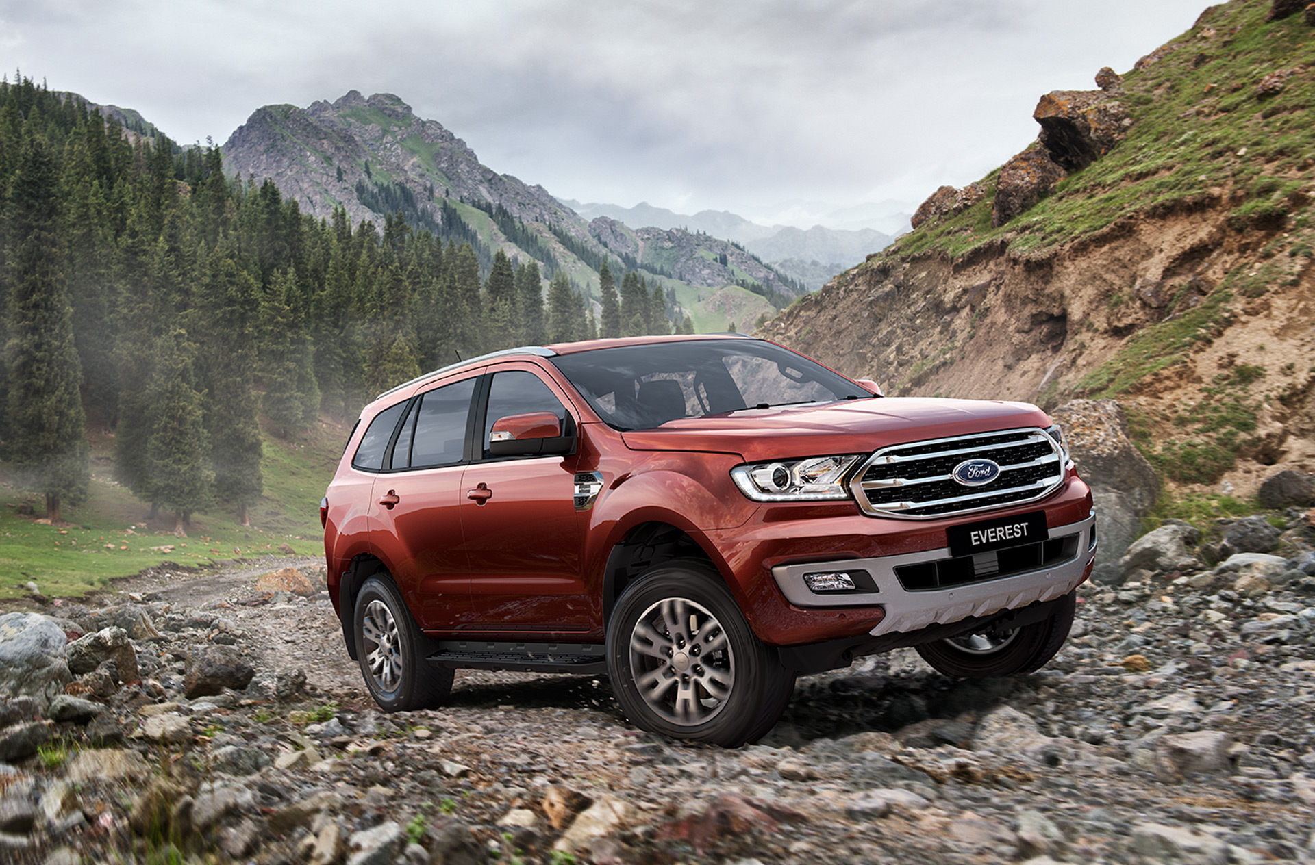 Ford Endeavour (Everest) Facelift Launched In Thailand | CarSaar