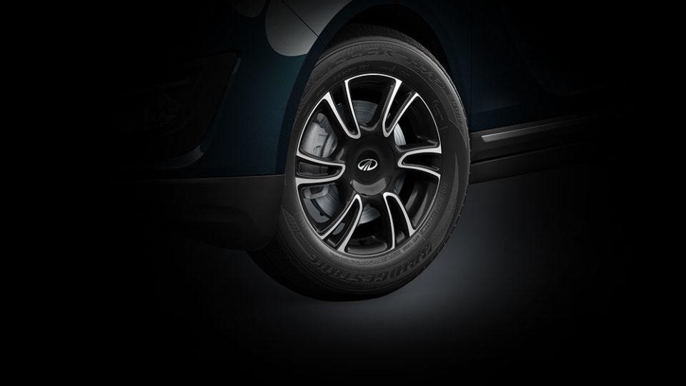Mahindra Reveals Marazzo's Dual-Tone Alloy Wheels Design