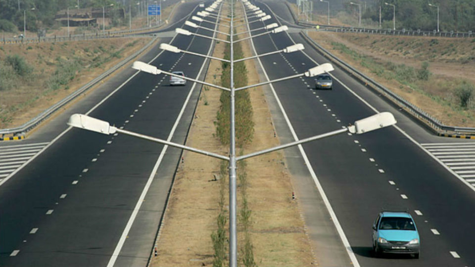 Construction Of Delhi-Mumbai Expressway To Start In December 2018