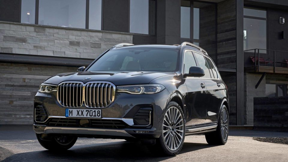 BMW X7 Sheds Cover; Will Launch In Four Variants