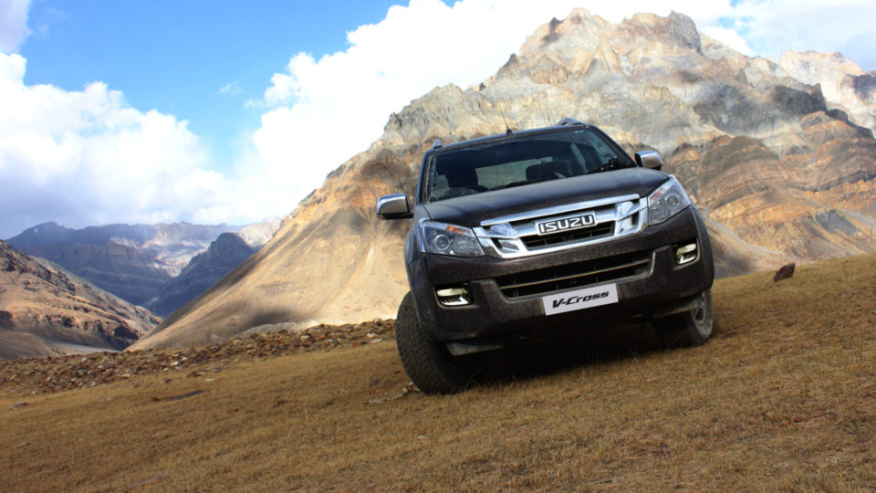 Isuzu Introduces 'Jonty Rhodes Limited 30' Package For D-Max V-Cross