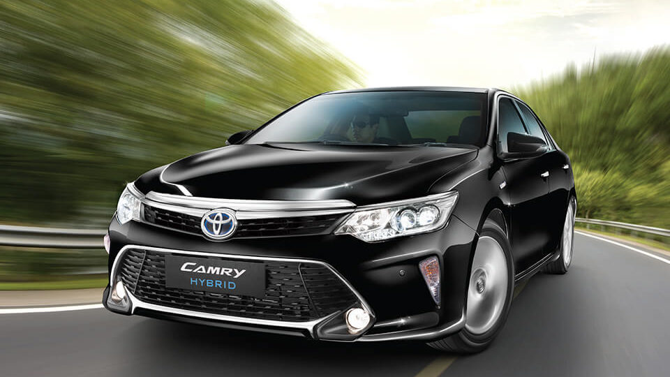 Toyota Removes Camry Hybrid From Indian Website
