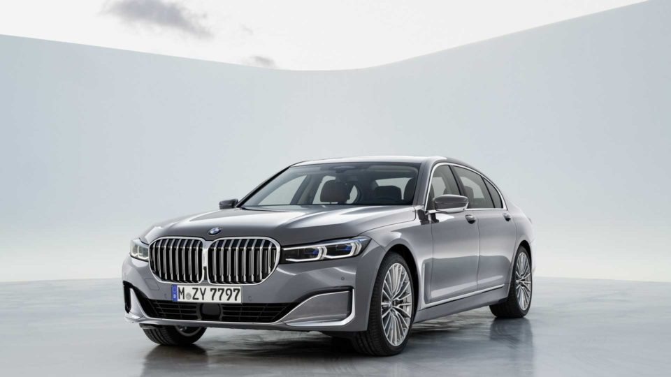 BMW 7 Series Facelift Commands Attention